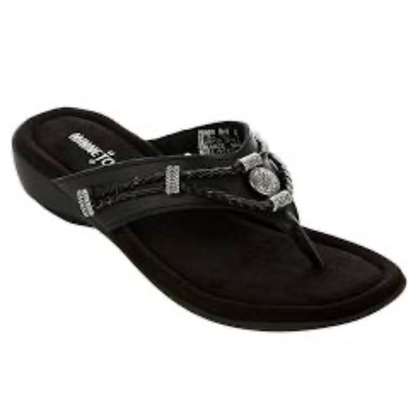 Minnetonka Shoes - 🆕Minnetonka Black Leather Western Sandals